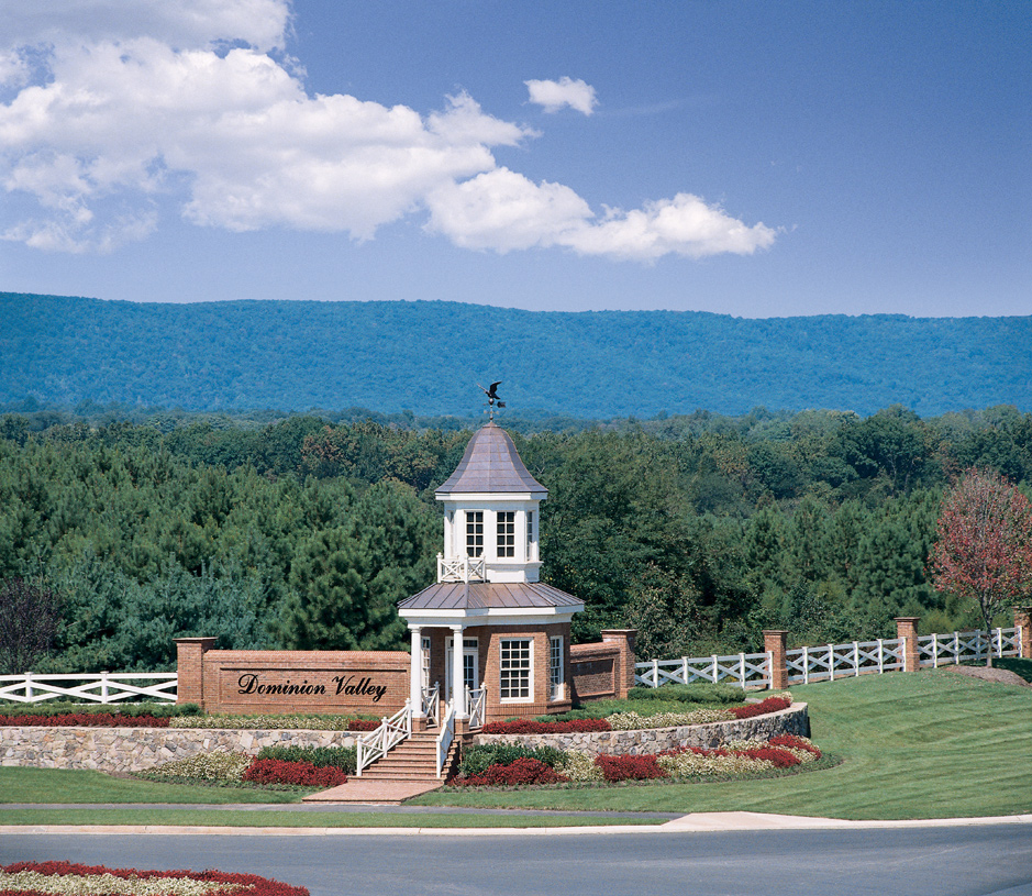Dominion Valley Country Club Entry